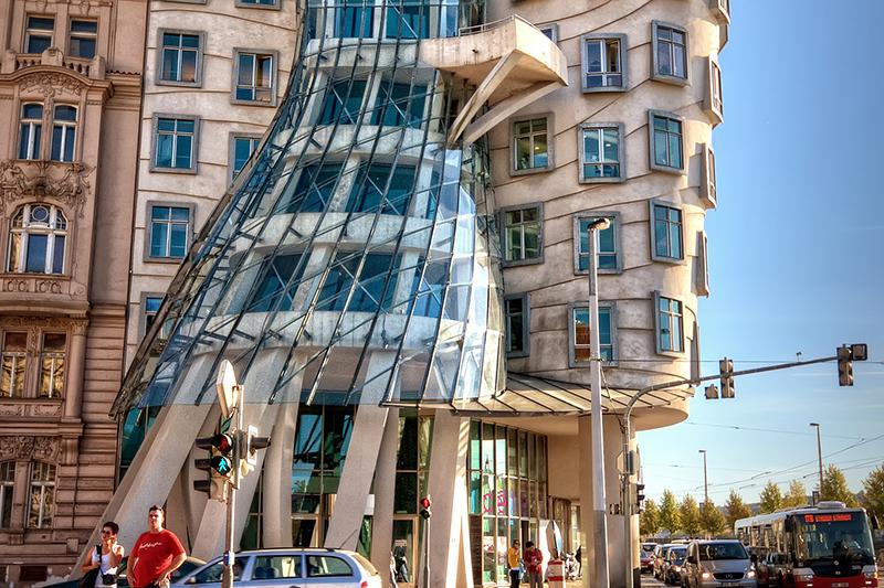 La Casa Danzante es un famoso edificio deconstructivista situado en Prag