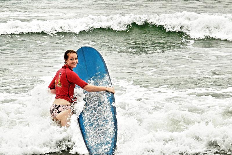 She Surfs She Surf She Surfs