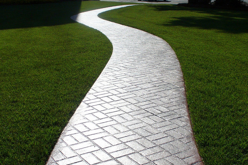 Snaky sidewalk